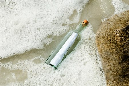 Message in a bottle Stock Photo - Premium Royalty-Free, Code: 632-03630248