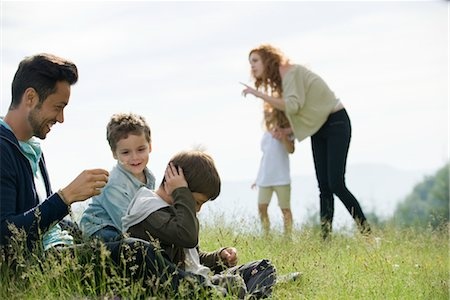 Family spending time together outdoors Stock Photo - Premium Royalty-Free, Code: 633-05401676