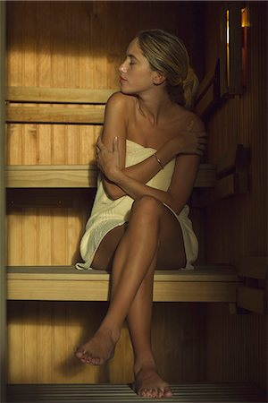 Woman sitting in sauna Stock Photo - Premium Royalty-Free, Code: 633-08150888