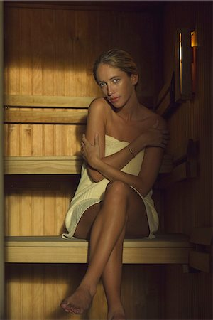 Woman sitting in sauna Stock Photo - Premium Royalty-Free, Code: 633-08150889