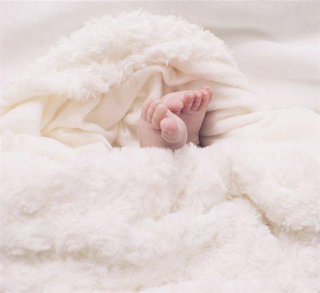 Baby's foot Stock Photo - Premium Royalty-Free, Code: 633-08151053