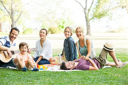 Friends relaxing together in the park Stock Photo - Premium Royalty-Free, Code: 633-08726263