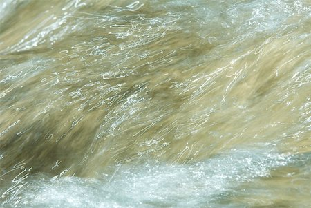 Water running, abstract view, full frame Stock Photo - Premium Royalty-Free, Code: 633-01573417