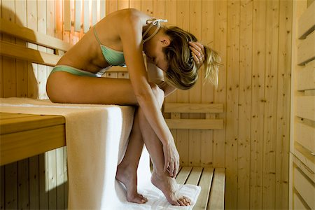 Woman in sauna Stock Photo - Premium Royalty-Free, Code: 633-03444492