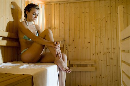 Woman in sauna Stock Photo - Premium Royalty-Free, Code: 633-03444493