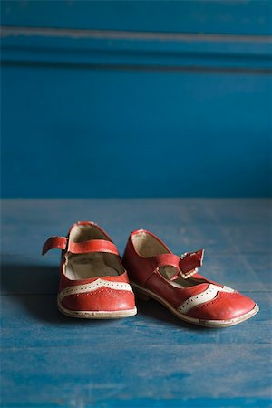 Child's shoes Stock Photo - Premium Royalty-Free, Code: 633-03444610