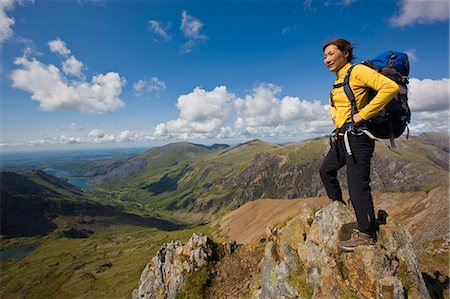 Hiker overlooking landscape Stock Photo - Premium Royalty-Free, Code: 649-04249160