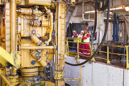 platform - Workers on oil rig Stock Photo - Premium Royalty-Free, Code: 649-04827679