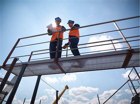 platform - Engineers overlooking ship building Stock Photo - Premium Royalty-Free, Code: 649-05522197