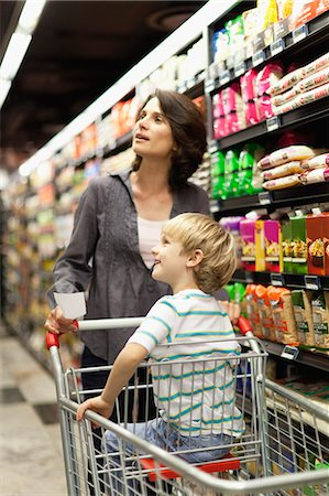 Woman grocery shopping with son Stock Photo - Premium Royalty-Free, Code: 649-05657461