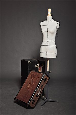 Mannequin and vintage trunks Stock Photo - Premium Royalty-Free, Code: 649-05657559