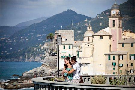 Couple on vacation admiring scenery Stock Photo - Premium Royalty-Free, Code: 649-05658419