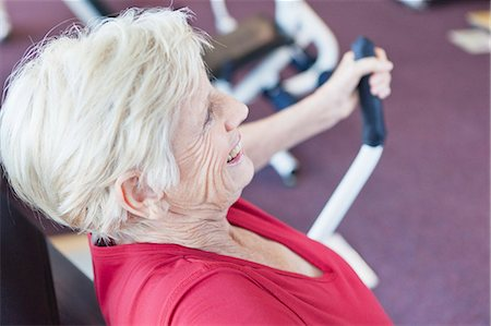 fitness older women gym - Older woman exercising in gym Stock Photo - Premium Royalty-Free, Code: 649-05802161