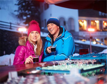 exterior bar - Couple having coffee outdoors in winter Stock Photo - Premium Royalty-Free, Code: 649-05821029