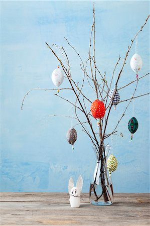 decoration - Egg-shaped decorations on branches Stock Photo - Premium Royalty-Free, Code: 649-05951008