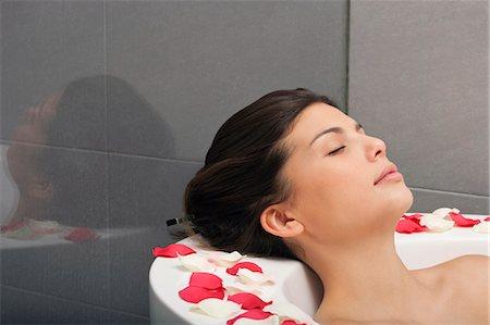 Woman relaxing in bath Stock Photo - Premium Royalty-Free, Code: 649-06000624