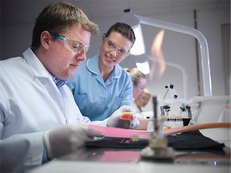 dentistry - Dentist teaching students in lab Stock Photo - Premium Royalty-Free, Code: 649-06001585