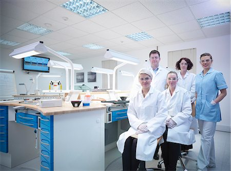 dentistry - Dentist and dental students in lab Stock Photo - Premium Royalty-Free, Code: 649-06001586