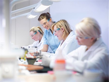 dentistry - Dentist teaching students in lab Stock Photo - Premium Royalty-Free, Code: 649-06001583