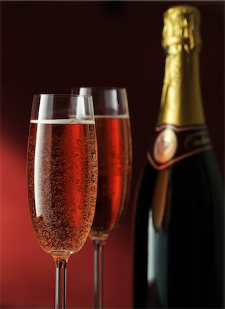 sparkling - Close up of glasses of sparkling wine Stock Photo - Premium Royalty-Free, Code: 649-06040875