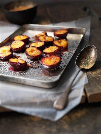 sugar - Tray of baked fruit Stock Photo - Premium Royalty-Free, Code: 649-06040923