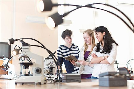 Students working in geology lab Stock Photo - Premium Royalty-Free, Code: 649-06041389