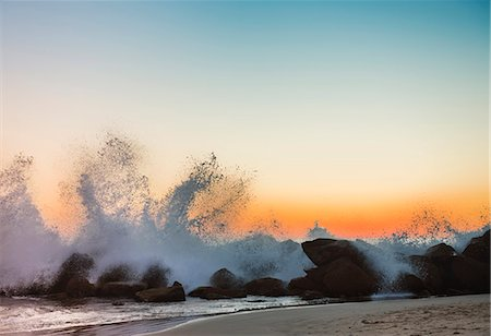 Waves crashing on Venice beach at sunset, Los Angeles, USA Stock Photo - Premium Royalty-Free, Code: 649-06113240