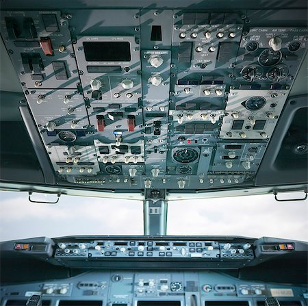 Empty cockpit of jet airplane Stock Photo - Premium Royalty-Free, Code: 649-06165009