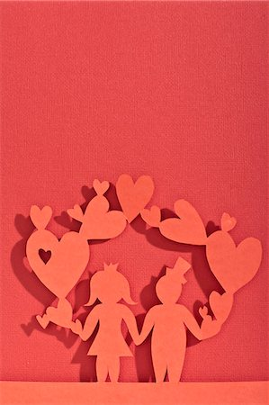 female silhouettes heart - Paper dolls of newlywed couple Stock Photo - Premium Royalty-Free, Code: 649-06432628