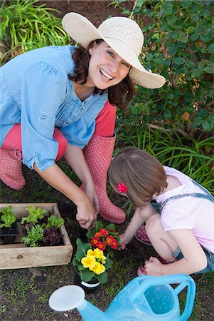 spring - Mother and daughter gardening together Stock Photo - Premium Royalty-Free, Code: 649-06432663