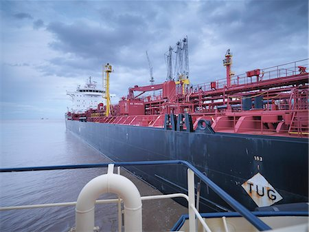 ships at sea - Tanker ship seen from tugboat Stock Photo - Premium Royalty-Free, Code: 649-06433068