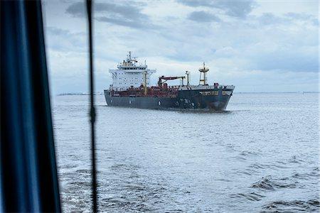 ships at sea - Ship sailing on sea Stock Photo - Premium Royalty-Free, Code: 649-06433104
