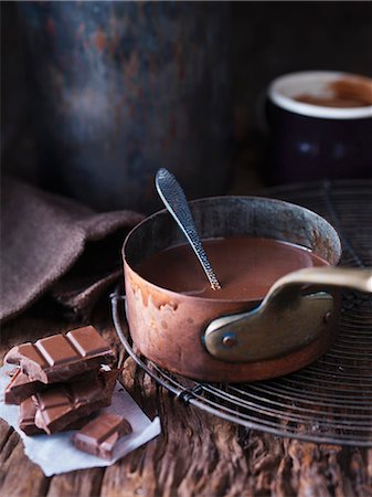 Pan of melted chocolate Stock Photo - Premium Royalty-Free, Code: 649-06489008