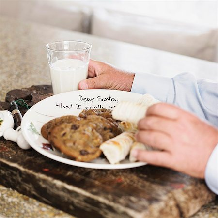 Plate of cookies and milk for Santa Stock Photo - Premium Royalty-Free, Code: 649-06489290