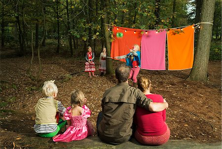 dangling - Childrens theater improvised in woods Stock Photo - Premium Royalty-Free, Code: 649-06489439