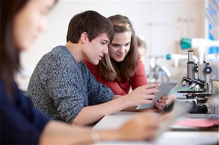 Students using tablet computer in class Stock Photo - Premium Royalty-Free, Code: 649-06489958