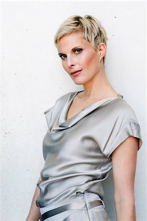 short hair - Woman wearing silk gown Stock Photo - Premium Royalty-Free, Code: 649-06532699