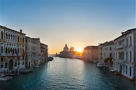 Buildings on urban canal Stock Photo - Premium Royalty-Free, Code: 649-06533166
