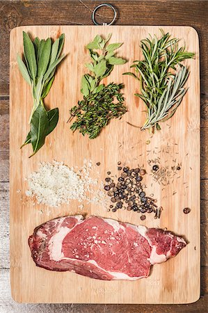 salt - Board laid with meat and seasonings Stock Photo - Premium Royalty-Free, Code: 649-06622964