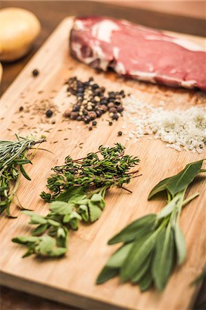 salt - Board laid with meat and seasonings Stock Photo - Premium Royalty-Free, Code: 649-06622967