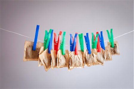 dry - Teabags hanging from clothesline Stock Photo - Premium Royalty-Free, Code: 649-06717491