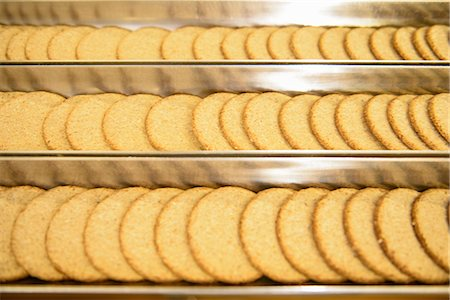 food processing plant - Biscuits on production line in factory Stock Photo - Premium Royalty-Free, Code: 649-06717656