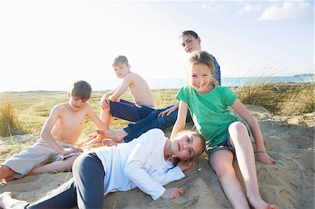 Five children on beach Stock Photo - Premium Royalty-Free, Code: 649-06812043