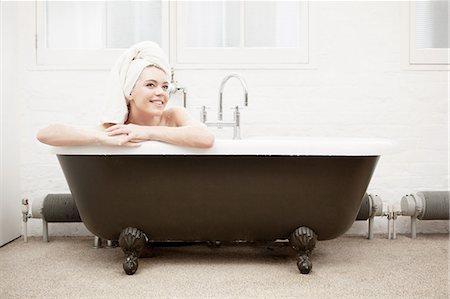 Woman in vintage bath Stock Photo - Premium Royalty-Free, Code: 649-06812764