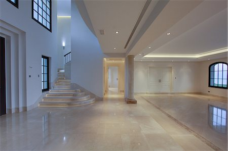 Empty lobby of luxury villa Stock Photo - Premium Royalty-Free, Code: 649-06829425