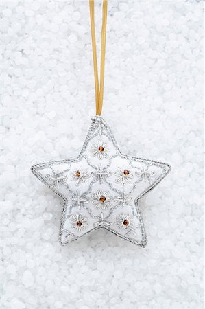 decoration - White star shaped christmas decoration Stock Photo - Premium Royalty-Free, Code: 649-06830073