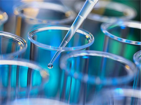 Analytical chemistry - sample being pipetted into test tube for analysis in laboratory Stock Photo - Premium Royalty-Free, Code: 649-06844079