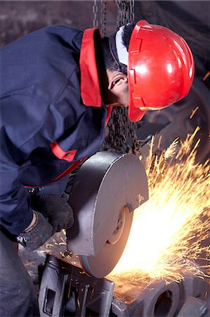Working in cast iron foundry Stock Photo - Premium Royalty-Free, Code: 649-07064855