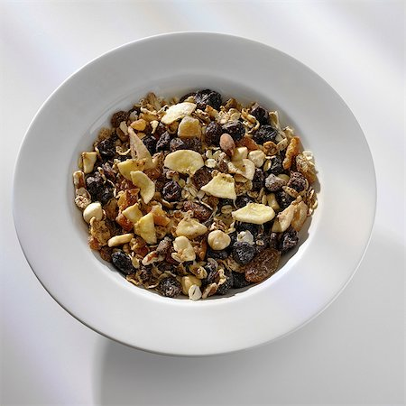 Bowl of muesli Stock Photo - Premium Royalty-Free, Code: 649-07064968