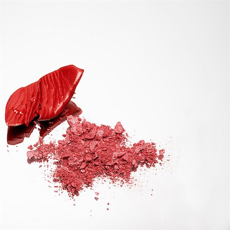 Red make up crumbled Stock Photo - Premium Royalty-Free, Code: 649-07065011